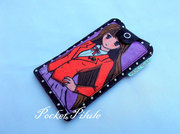 "Housse Iphone 5""Manga""image de fille japonaise,simili cuir noir ,rouge,violet"